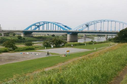 1東京の多摩川河川敷