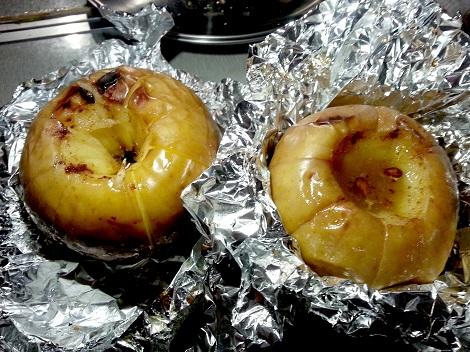 BBQで焼きリンゴ