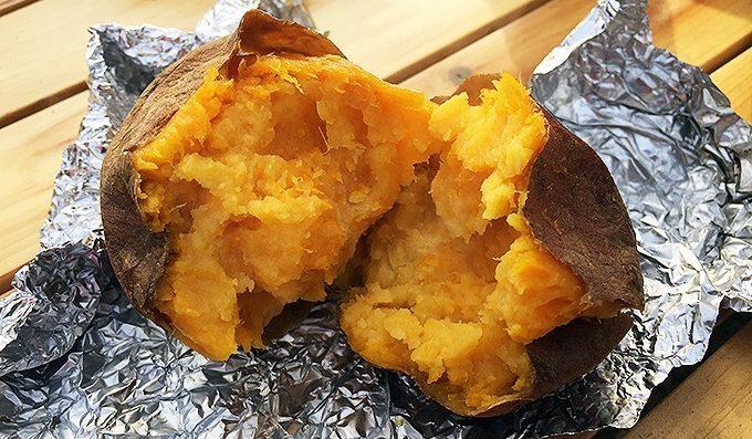 焼き芋 バター添え